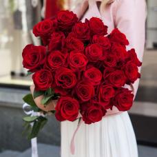 Букет из 25 красных роз 50 см (Россия)