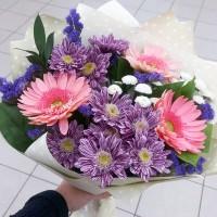 Букет комплимент с герберой и хризантемой