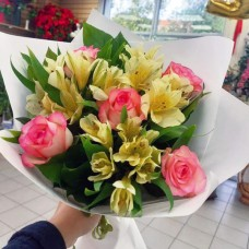 Букет комплимент с розами