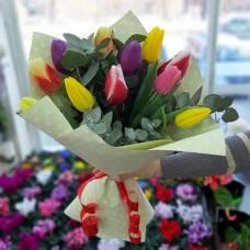 Нежный букет тюльпанов